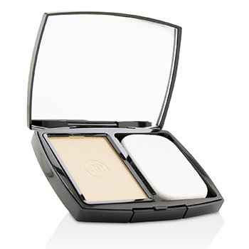Chanel Le Teint Ultra Ultrawear Flawless Compact Foundation Luminous Matte Finish SPF15 - # 20 Beige